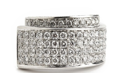 A diamond ring set with numerous brilliant-cut diamonds weighing a total of app. 2.98 ct., mounted in 18k white gold. F-G/VS. Size 55.5. Circa 2009.