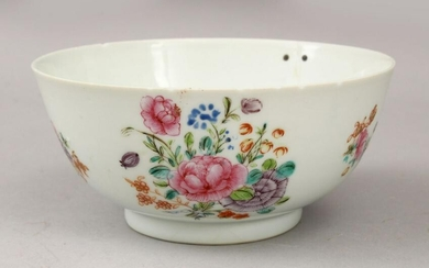 AN 18TH CENTURY CHINESE FAMILLE ROSE PORCELAIN BOWL
