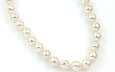 Necklace made of cultured akoya pearls ,...