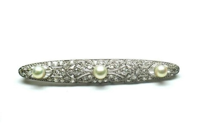 PLATINUM BAR BROOCH / HAIR PIN WITH DIAMONDS AND