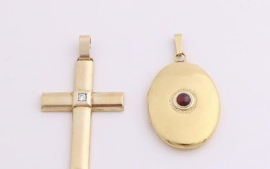 Two gold on silver pendants, 925/000. A medallion, oval