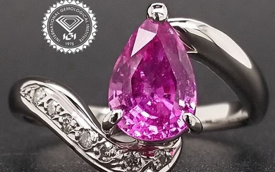 2.10ct Madagascar Pink Sapphire and Diamonds Platinum - Ring - ***NO RESERVE PRICE***