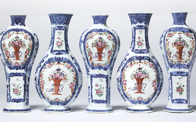 A FIVE-PIECE BLUE AND WHITE AND FAMILLE ROSE GARNITURE OF FLATTENED BALUSTER VASES, QIANLONG PERIOD, CIRCA 1785