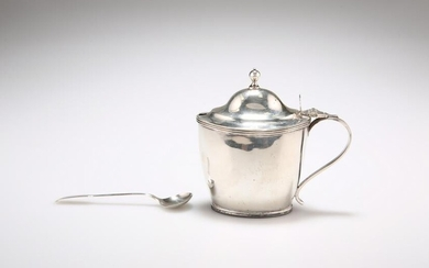 A GEORGE III SILVER MUSTARD POT, by Abstinando King