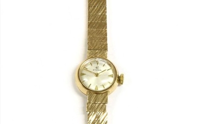 A ladies' 9ct gold Cyma mechanical bracelet watch