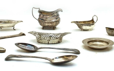 A pair of Victorian Queens pattern silver table spoons