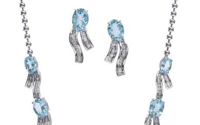 AN AQUAMARINE AND DIAMOND NECKLACE AND EARRING SUITE