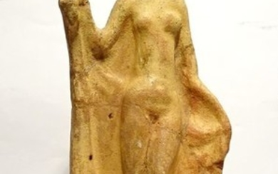Ancient Greek, Hellenistic Terracotta - Immodest Aphrodite - 1st S. BC - 19.5×8.1×4.4 cm