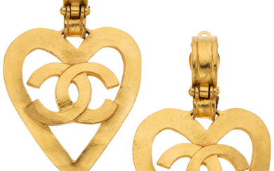 """Chanel Gold Heart CC Clip-On Earrings Condition: 2 1.75""""..."""