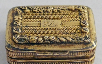 GEORGE III SILVER-GILT VINAIGRETTE WITH FOLIATE EMBOSSED DECORATION AND...