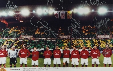 Manchester United signed photograph of the team line up