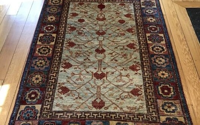 Persian Style Area Rug W Floral Motif
