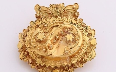Yellow gold brooch region, 585/000, oval model with