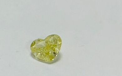 0.87ct natural yellow diamond,heart shape,ai2 clarity low reserve.tested as natural no tretament