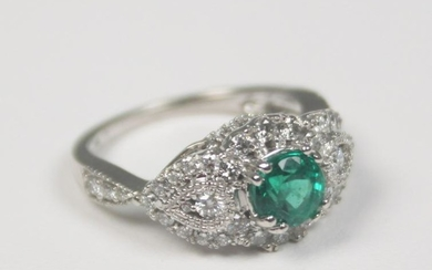 14k Diamond and emerald lady's ring