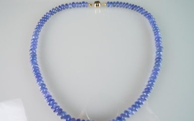 18 inch Tanzanite necklace with 14ct Gold magnetic clasp. 24...