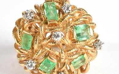 18k Gold Ring W/ Diamonds & Emeralds