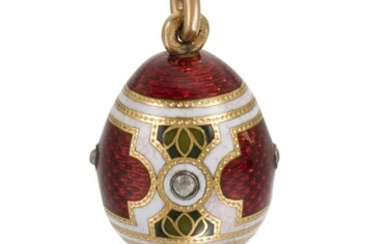 A Fabergé jewelled gold and guilloché and champlevé enamel egg pendant, workmaster Michael Perchin, St Petersburg, 1899-1903
