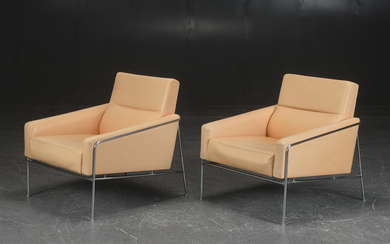 Arne Jacobsen. Pair of lounge chairs 'Airport Easy Chairs' (2)