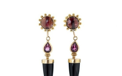 Gold pendat earrings with stones