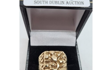 Large 9ct yellow gold gents ring, size Y, 7.3g