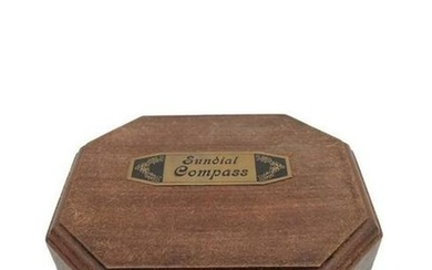 Messing Sundial compass in wooden box