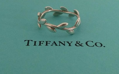 Tiffany & Co. - Olive Leaf Band Ring by Paloma Picasso