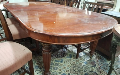 Victorian Mahogany Extension Dining Table, with two leaves & 'D' shaped ends, on turned reeded legs