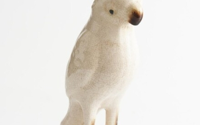 A CHINESE WHITE GLAZED POTTERY PARROT H.23CM, LEONARD JOEL LOCAL DELIVERY SIZE: SMALL