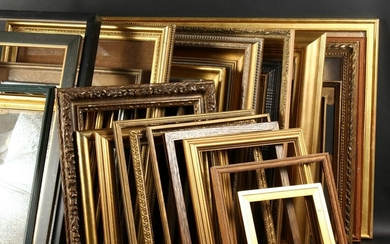 A Collection of Twenty Eight Mostly Modern Frames. (28)
