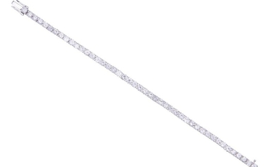 A DIAMOND LINE BRACELET IN 18CT WHITE GOLD COMPRISING FORTY-FIVE ROUND BRILLIANT CUT DIAMONDS TOTALLING 8.24CTS, LENGTH 165MM, 16.8GMS