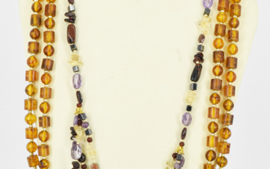 A HARD STONE NECKLACE