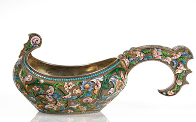 A RUSSIAN GILT SILVER AND SHADED CLOISSONE ENAMEL KOVSH, WORKMASTER MARIA SEMENOVA, MOSCOW, 1898-1908
