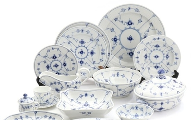 """Blue Fluted Plain"". Royal Copenhagen porcelain dinner and coffee set decorated in underglaze blue, comprising 37 pieces. (37)"