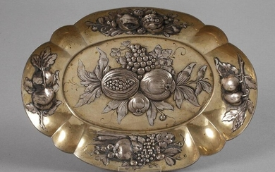 Bowl with fruit decoration
