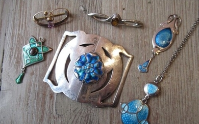 Group of Arts and Crafts silver and gold jewellery to includ...