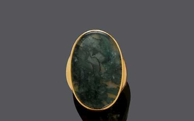 MOSS AGATE AND GOLD MEN'S RING.