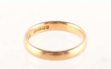 Property of a deceased estate - a 22ct gold wedding band rin...
