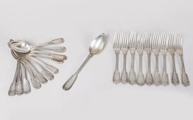 SILVER - Part of solid silver housewife: 6 large spoons, 7 forks and a stewing spoon. Net model. Punch Minerve, M. O Jamet (1831-1847) for some. PB: 1200g. Cutlery of the same model in silver plated metal is attached.