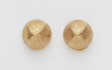 A pair of 18k gold clip earrings