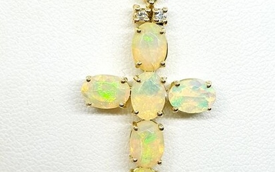 18 kt. Yellow gold - Necklace with pendant - 4.80 ct Opal - Diamonds