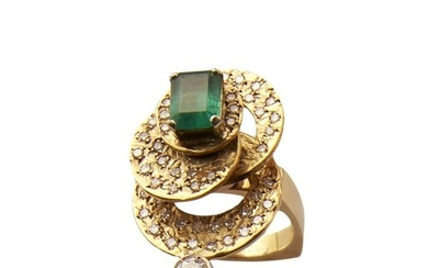 18kt yellow gold, emerald and diamond ring