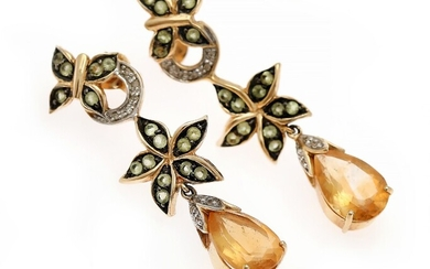 A pair of ear pendants each set with a citrine, numerous peridots and diamonds, mounted in 14k gold. L. 4.3 cm. (2)