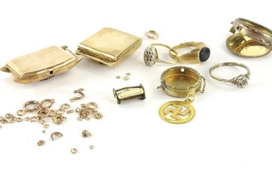 A quantity of 9ct gold and other loose and broken pieces, to...