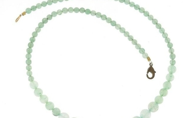 Chinese graduated green jade bead necklace, 40cm in
