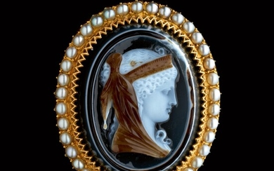 ITALIAN OR FRENCH, FIRST HALF 19TH CENTURY   CAMEO WITH A YOUNG WOMAN WEARING A DIADEM