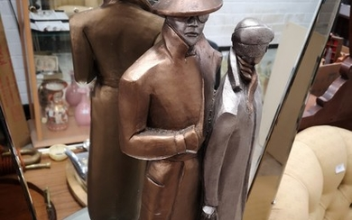 Large Austin sculpture of couple stands over 20 inches in he...