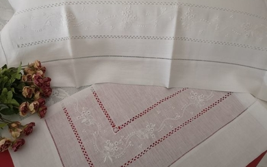Spectacular!! Pure linen sheet with full-stitch embroidery completely by hand - Linen - After 2000