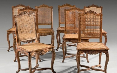 Suite of eight dining room chairs with flat backs in...