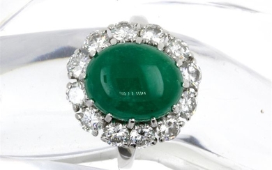 Van Cleef & Arpels - 18 kt. White gold - Ring - 5.30 ct Emerald - Diamonds